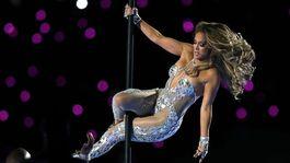 Speváčka Jennifer Lopez počas vystúpenia v prestávke zápasu NFL Super Bowl 54.