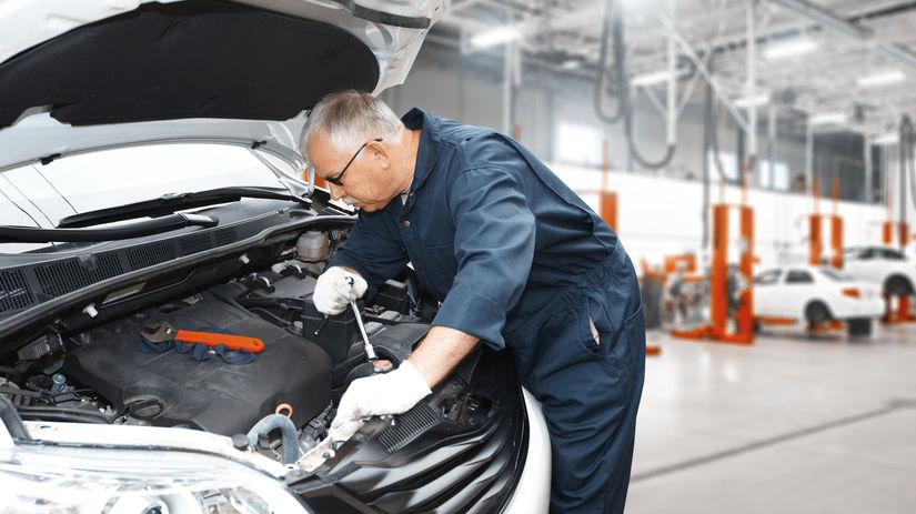 penzista, práca, automechanik