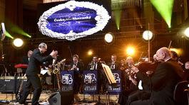 Do tanca hral Big Band Gustava Broma.