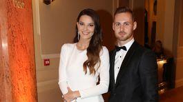 Modelka a moderátorka Nikol Švantnerová a jej partner.