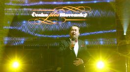 Speváj Jaroslav Dvorský počas vystúpenia na Česko-Slovenskom plese.