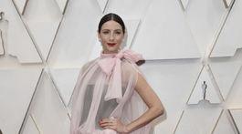 Herečka Caitriona Balfe v kreácii Valentino Haute Couture.
