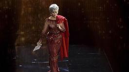 Herečka Jane Fonda prišla odovzdať cenu pre najlepší film roka.