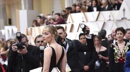 Nominovaná herečka Saoirse Ronan v kreácii Gucci.
