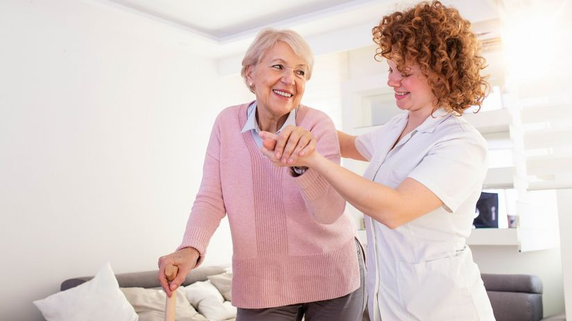 dôchodkyňa, sestrička, pomoc, opatrovanie