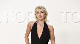 Speváčka Miley Cyrus na prehliadke Tom Ford Jeseň/Zima 2020.