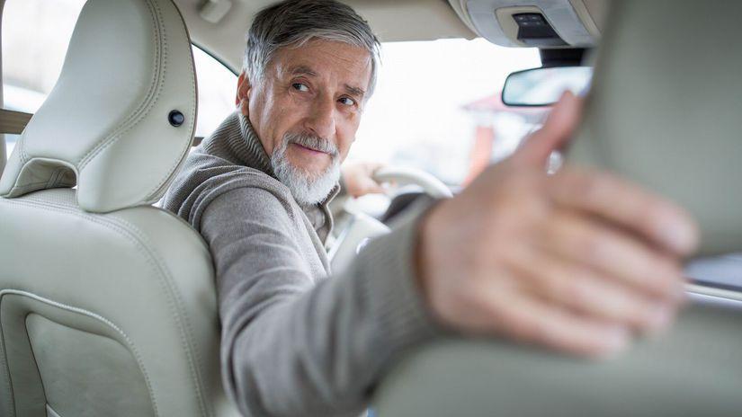 auto, dôchodca, vodič, šoférovanie