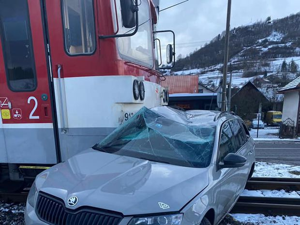 Nehoda vlaku s autom na Orave