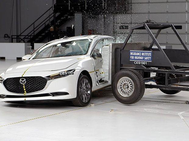 IIHS - Mazda 6