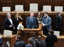 Poslanci z PS/Spolu zostávajú v parlamente do rána. Nerobte cirkus, reagoval Pellegrini