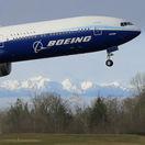 Boeing objavil v palivových nádržiach lietadiel 737 MAX cudzie predmety