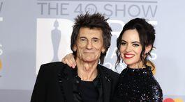 Ronnie Wood a jeho manželka Sally Humphreys.