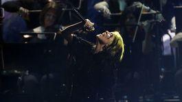 Speváčka Billie Eilish zaspievala skladbu z najnovšej bondovky.