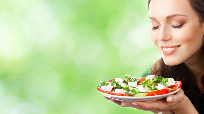 žena, tanier, zdravá strava, vôňa