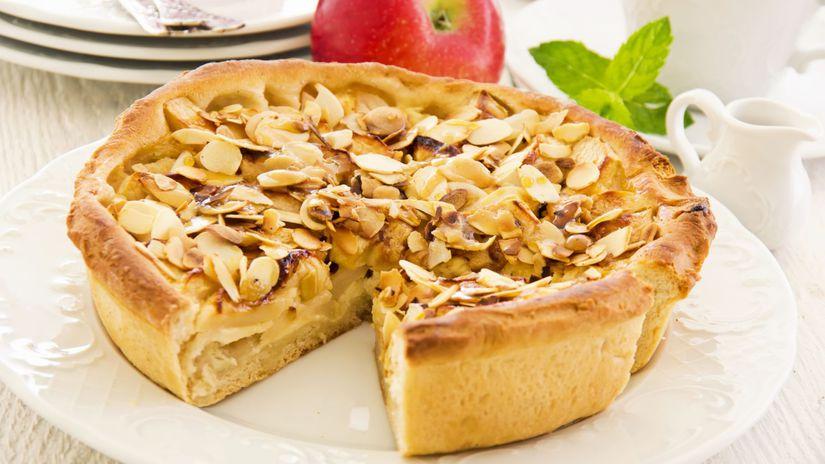 Jablkovo-mandľový koláč