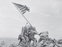 Vlajku na slávnej fotke vztýčil skutočný východniar