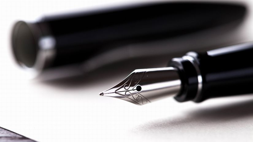 plniace pero, papier