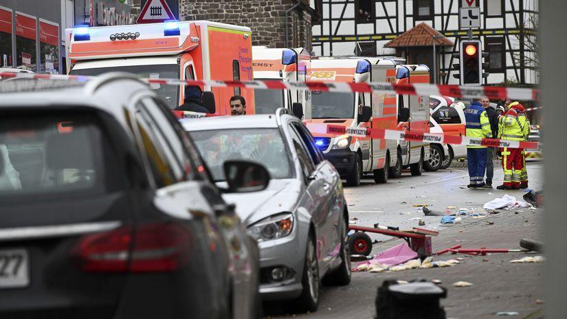 nemecko karneval útok auto