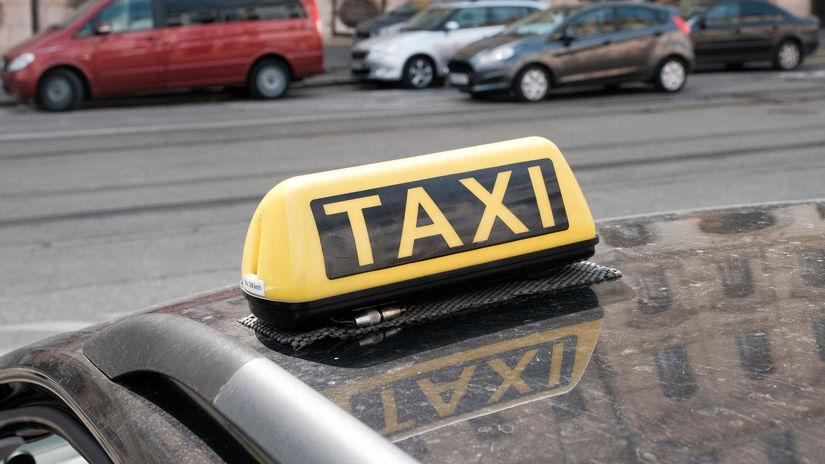 Taxi / Taxík / Taxikár /
