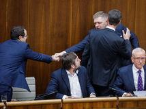 Poslanci schválili 13. dôchodky a odmietli Istanbulský dohovor