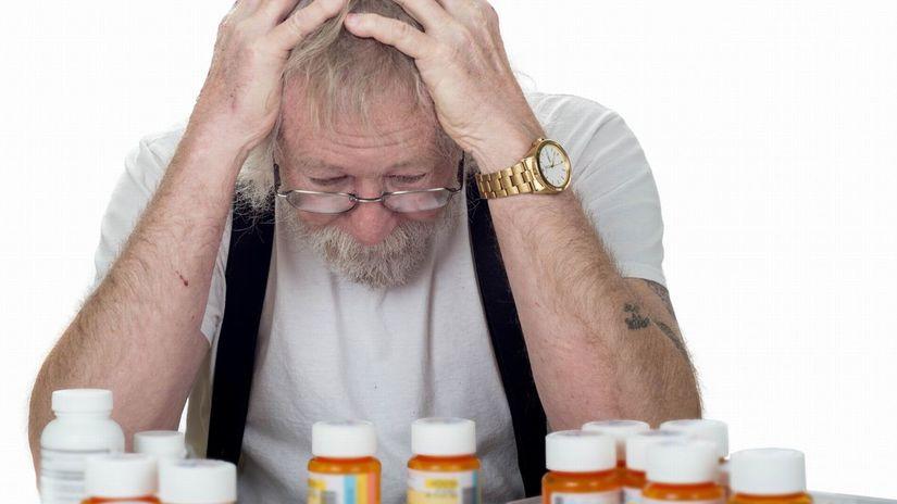 senior, dedko, lieky, trápenie, zhrozenie