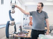 František Duchoň, robot