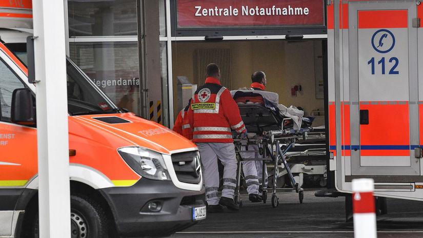 Koronavírus, Nemecko, nemocnica, sanitka,...