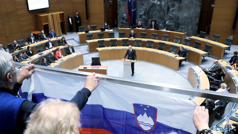 Slovinsko parlament premiér janez Janša