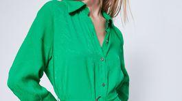 Dámske košeľové šaty Zara. Predávajú sa za 39,95 eura.