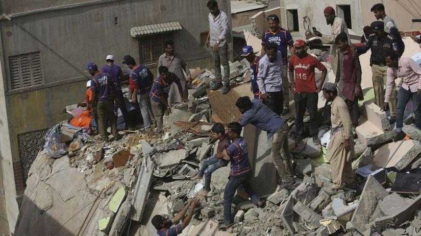 Pakistan Karáčí budova zrútenie obete zranení