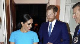 Vojvodkyňa Meghan v šatách od Victorie Beckhamovej.