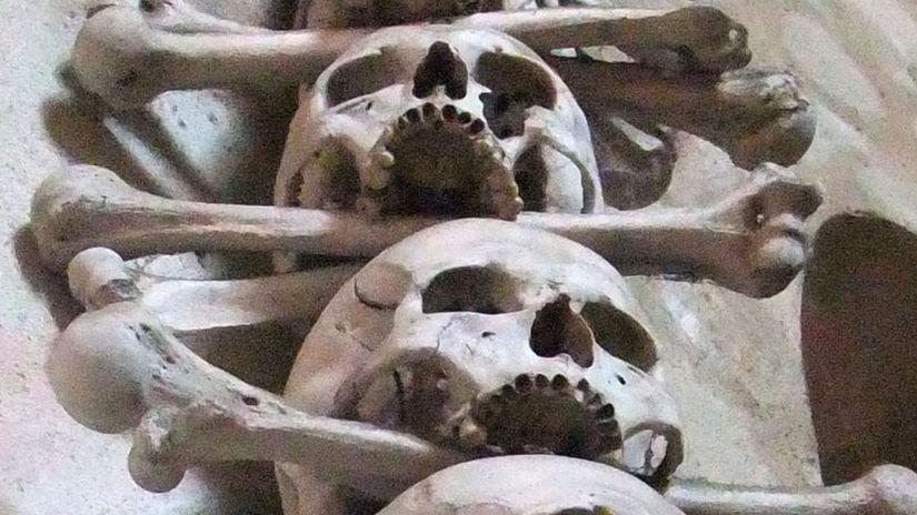 mor, kosti, lebka, obete, smrť