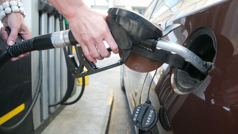 tankovanie palivo auto nafta benzin benzinova...