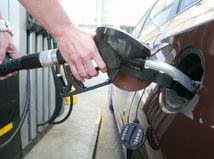 tankovanie palivo auto nafta benzin benzinova pumpa