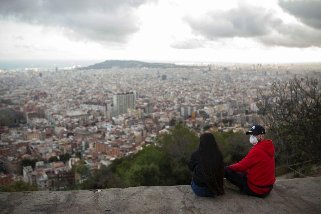 koronavírus, láska, dvojica, Barcelona, panoráma