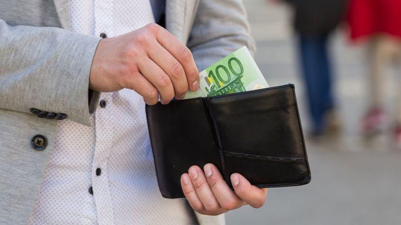 100 eur, sto eur, bankovka, peniaze, peňaženka