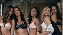 Daniela Peštová (druhá sprava) s ďalšími modelkami v kampani - zľava: Joan Smalls, Candice Huffin, Jasmine Tookes a Lais Ribeiro.