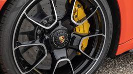 2021-Porsche-911-Turbo-S-Cabriolet-Aerokit-17