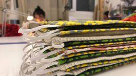 Dizajnérka Michaela Bednárová zo značky Puojd vyrába ochranné rúška pre neziskový sektor.