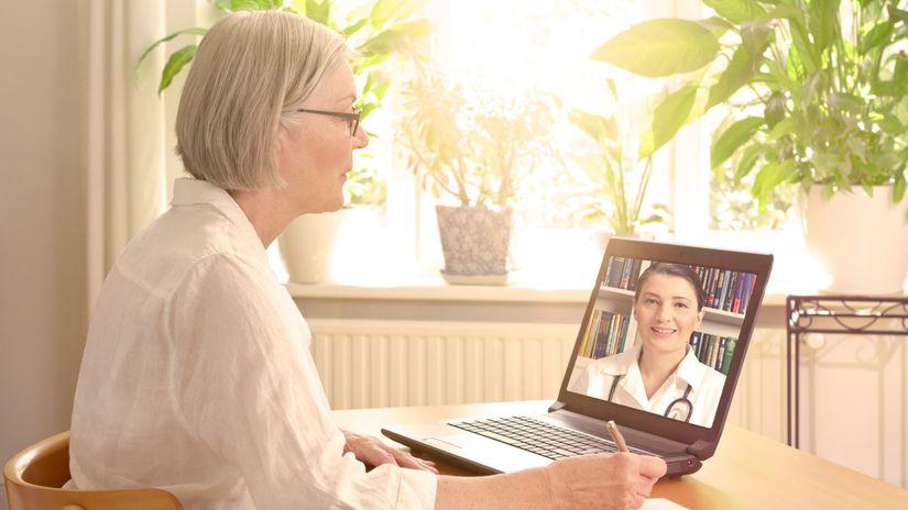 izolácia, dôchodkyňa, doma, videohovor, doktorka