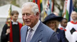 Princ Charles na archívnom zábere.