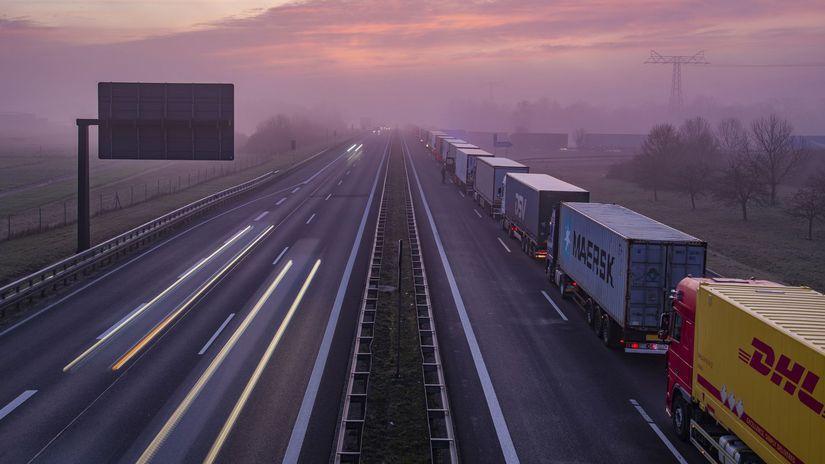 Kamión / Kolóna / Hranice / Diaľnica / Nemecko...