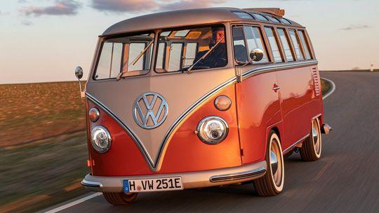 VW e-Bulli: Elektrický 'Samba Bus' je realitou. A neostane sám
