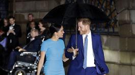 Princ Harry a jeho  manželka Meghan prichádzajú na vyhlásenie cien Endeavour Fund Awards