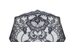 Podväzkový pás značky Coco de Mer, predáva sa online za 195 dolárov.