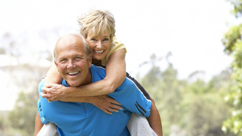 seniori, manželia, radosť