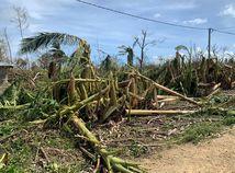 Harold po sebe zanechava skody  foto z Vanuatu.