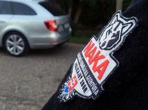 Vyšetrovateľ NAKA obvinil deväť osôb. Mali sa podieľať na výrobe extrémistických hudobných albumov