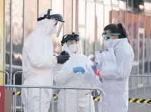 Odborníci s iným názorom žiadajú debatu s pandemickou komisiou v RTVS