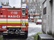 Požiar v ružomberskej vojenskej nemocnici je pod kontrolou, pacientov evakuovali